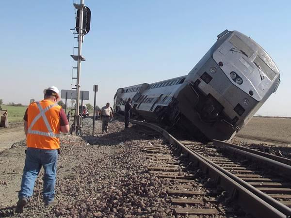 Mơ thấy tàu hỏa là điềm báo gì, đánh con gì?