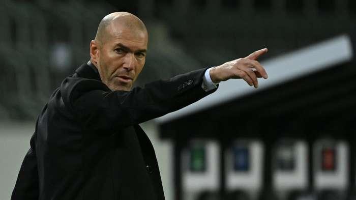 Zidane phủ nhận thông tin rời Real Madrid