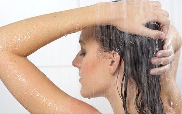 Mơ thấy phụ nữ tắm điềm báo gì đánh số gì chắc trúng