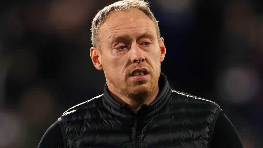 Steve Cooper: Huấn luyện viên trưởng của Swansea rời bỏ vai trò tại Sân vận động Liberty